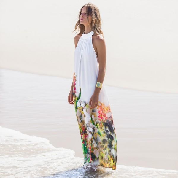 Белое длинное пляжное платье с открытой спиной