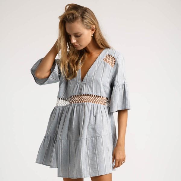 Пляжное платье с рукавами