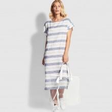 Пляжное платье из льна